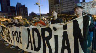 Una de las manifestaciones de amigos y familiares de Adrián Rodríguez, en reclamo de justicia.