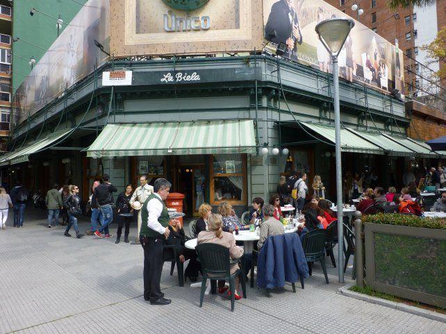 El tradicional bar de La Recoleta