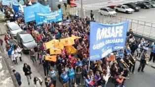 Las columnas de manifestantes marcharon a la plaza Montenegro