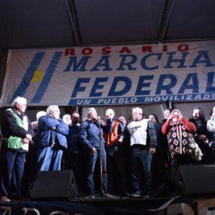 unidos. Gremialistas de distintas extracciones, dirigentes pymes y referentes políticos participaron del acto.