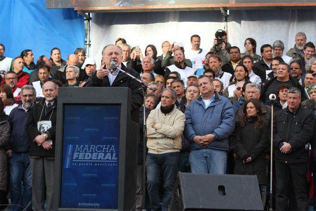 Empezó la cuenta regresiva para el paro nacional, lanzó Yasky en la multitudinaria Marcha Federal