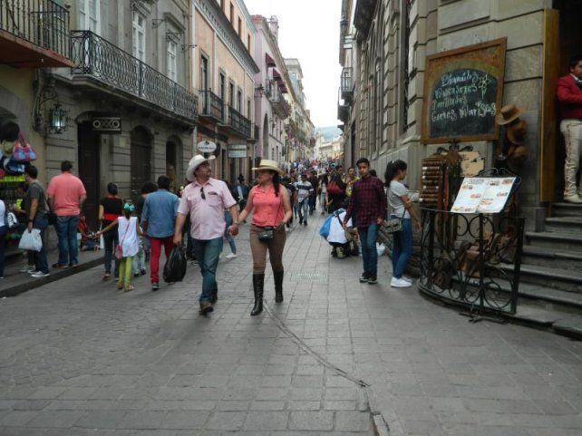 Las calles de la ciudad tienen un movimiento constante de gente