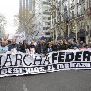 Consignas. No a los despidos, no al ajuste, no al tarifazo. La marcha federal recorrió el país con un claro mensaje en favor de un cambio en la política económica que lleva adelante el gobierno.
