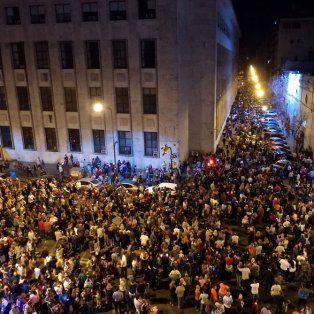 Hartazgo. Miles de rosarinos salieron hace unos días a la calle para reclamar el fin del delito y la violencia.