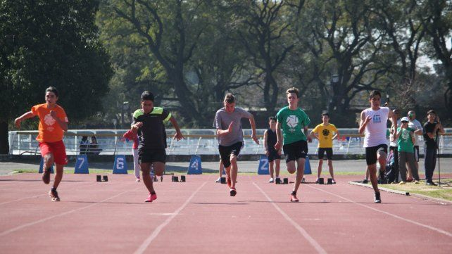 A correr. El atletismo fue una de las atracciones de estas finales