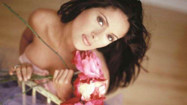 Salma sigue siendo un símbolo sexual en el cine.