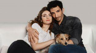 Julieta Zylberberg y Juan Minujín protagonizan la sitcom que se verá de lunes a jueves