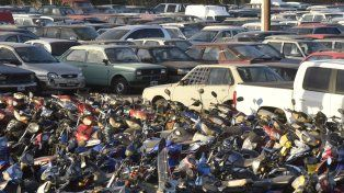 Apretados. Los depósitos de la ciudad lucen saturados de vehículos debido a la gran cantidad de remisiones que se llevan adelante.