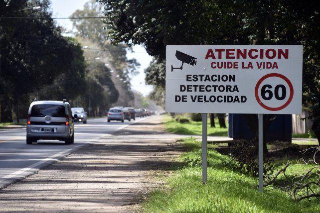 La provincia acordó con los municipios de Funes y Roldán el control de velocidad en el corredor.