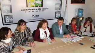 Presentación. Raimundo y las organizadoras dieron detalles del evento.