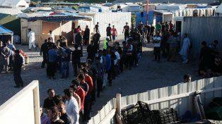 Hacinamiento. Algunos refugiados han estado por mucho tiempo en Calais.