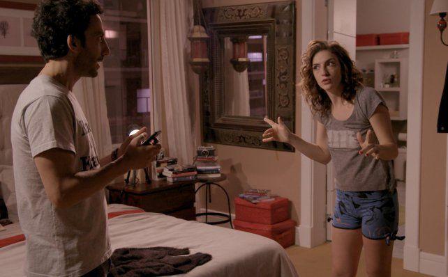 Convivencia feroz. Juan Minujin y Julieta Zylberberg tuvieron actuaciones discretas en la nueva sitcom de Telefe.