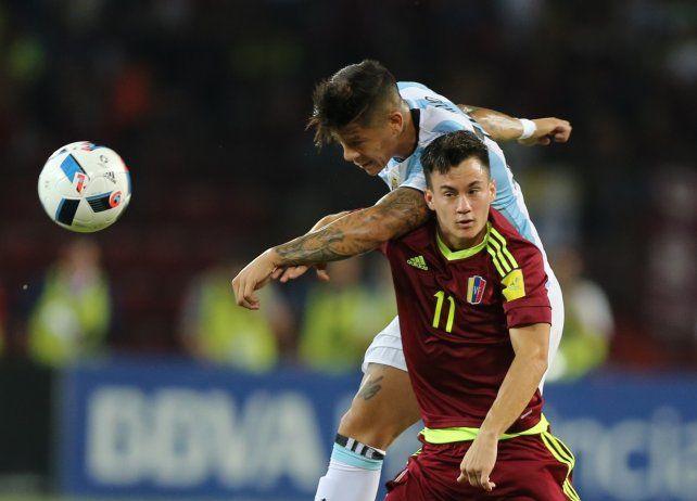 Tras ir perdiendo 2-0, Argentina reaccionó y consiguió un empate ante Venezuela en Mérida