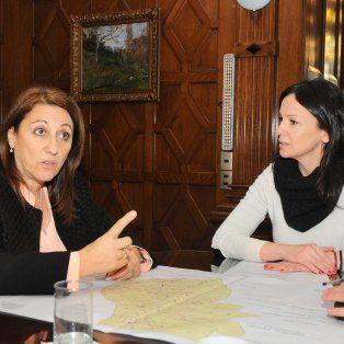 Reunión. La intendenta Mónica Fein y la ministra de Desarrollo Social, Carolina Stanley, ayer, en Buenos Aires.