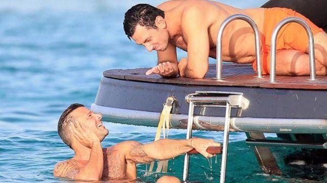 Ricky y su novio disfrutan del sol de las Islas Baleares.