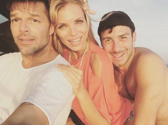 Ricky con su novio y Esther Cañadas en las Islas Baleares.