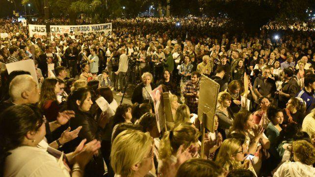 La última marcha terminó frente al edificio de la Gobernación