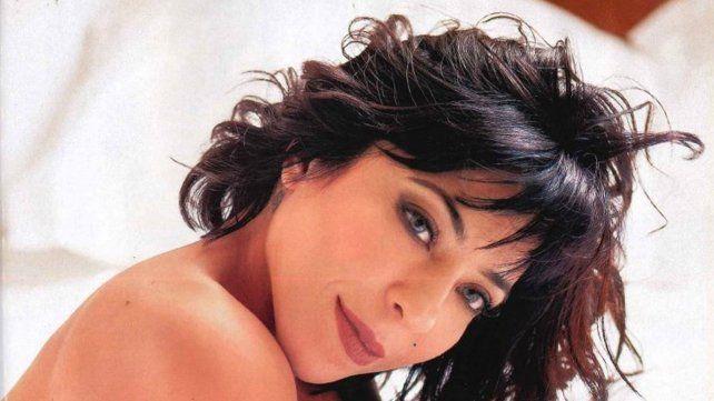 Con una producción de fotos sensuales, Noelia Pompa anunció los motivos por los que deja el país
