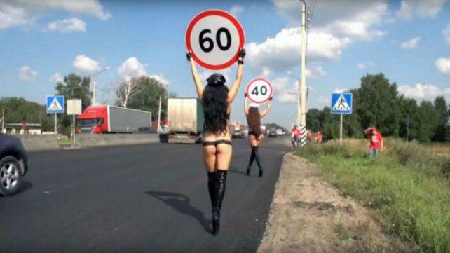Las asistentes viales en Rusia buscan bajar las velocidades.