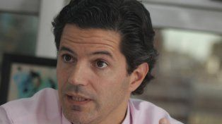 a la cancha. Luciano Laspina irá por la renovación de su banca.
