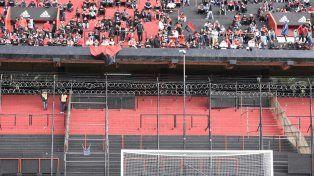 Bandeja inferior. Las autoridades encargadas de la seguridad cerrarán gran parte o la totalidad de la tribuna como lo hizo el domingo.