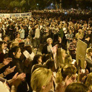 La última concentración frente a la sede Gobernación fue multitudinaria.