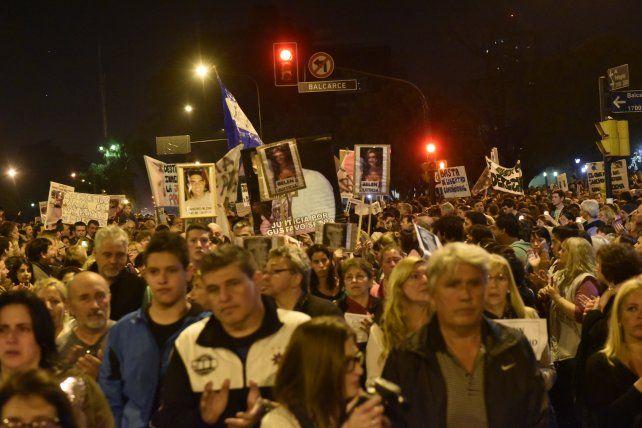 Una multitud caminó el 25 de agosto por la ciudad clamando por justicia y seguridad.