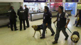 La jueza María Servini de Cubría ordenó el allanamiento del aeropuerto de Ezeiza.