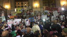 Pasadas las 20.30, la marcha llegó a la sede de Gobernación en Rosario.
