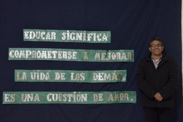 Carlos Cárdenas es uno de los 65 educadores santafesinos distinguidos por la provincia.