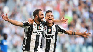 Higuaín logró un doblete en su primer partido como titular en Juventus