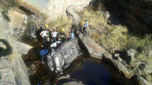 Cuatro muertos tras desbarrancar un auto en la región cordobesa de las Altas Cumbres