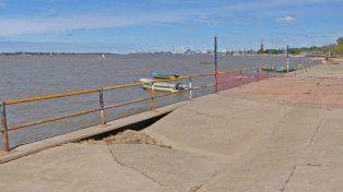 la culpa del agua. La titular de Obras Públicas adjudicó el hundimiento de la losa a la altura a que llegó el río.