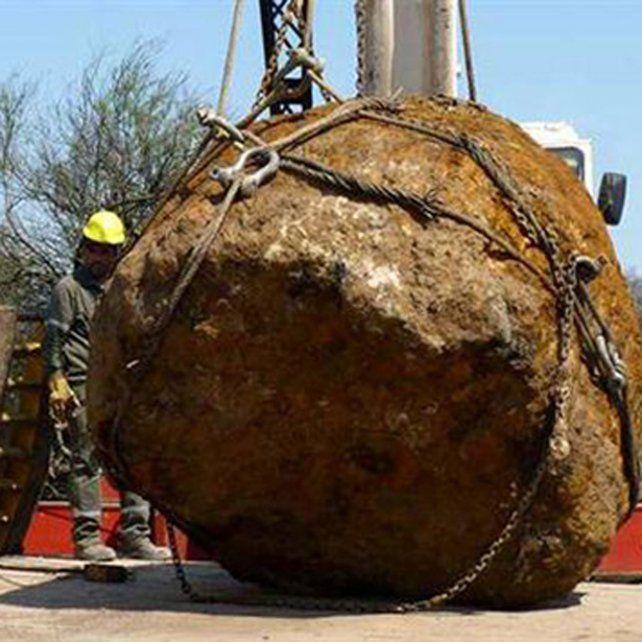 Cuerpo celeste. Pesa 30.800 kilos