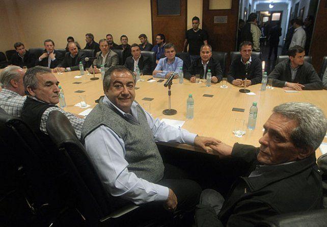 Sede Azopardo. La cúpula cegetista dialogó con los intendentes del PJ.