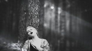 Un fotógrafo convirtió un sueño en realidad al retratar a 17 mujeres en pleno éxtasis sexual