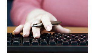 Estudiar a través de internet permite más facilidades para concretar una carrera a quienes trabajan.