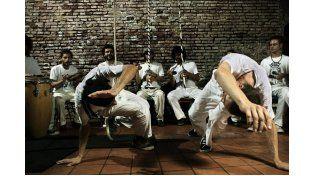 Distintos grupos de capoeira se darán cita mañana en Buenos Aires y el río para conmemorar la fecha.