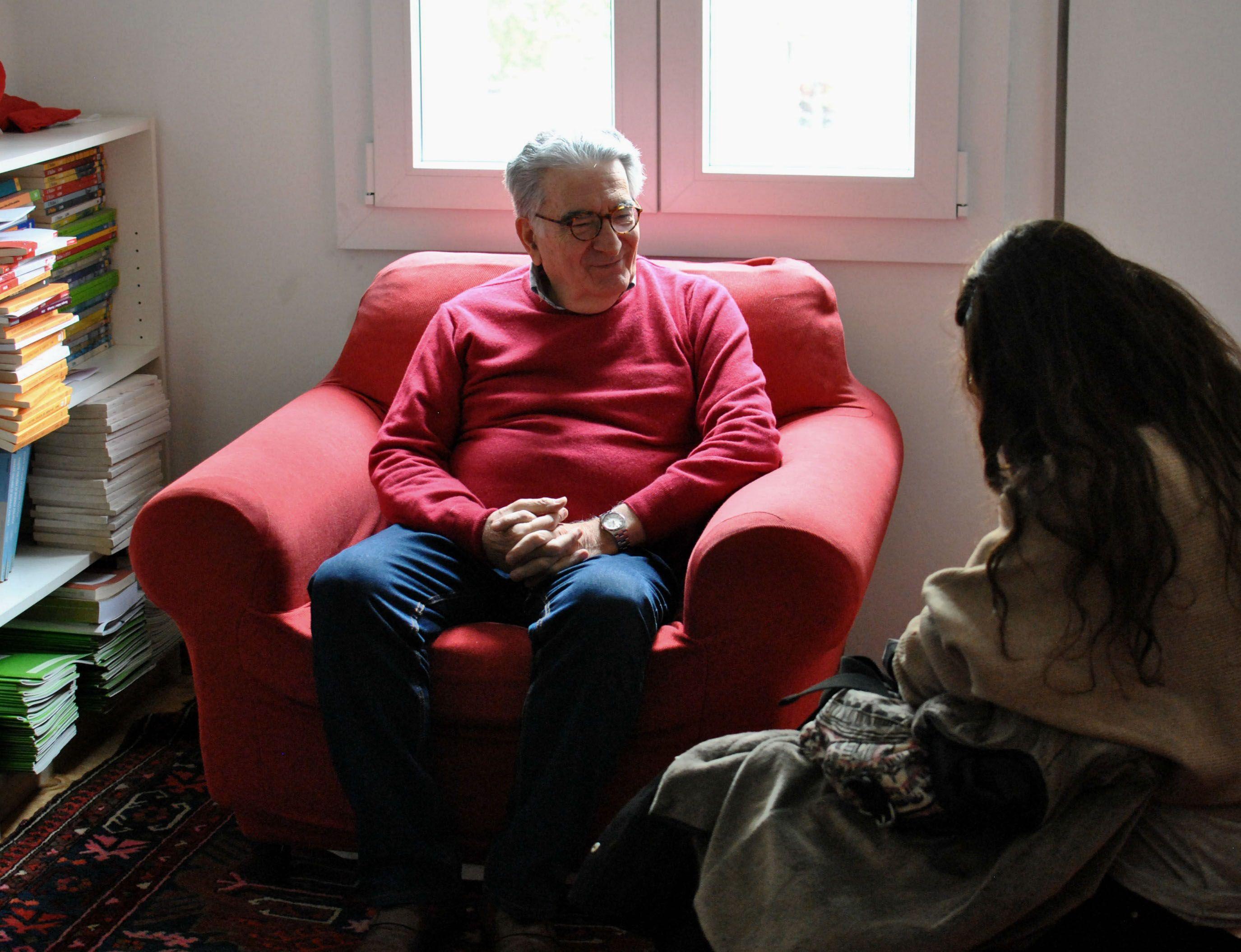 Mano a mano. Gianfranco Pasquino en charla con Más en su reducto