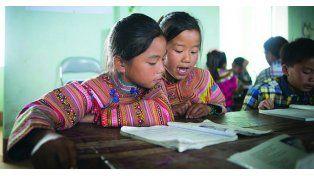 """""""Educar a una niña es educar a una Nación"""""""