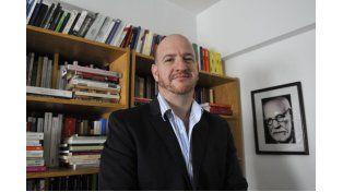 """El psicoanalista Sebastián Grimblat dice que las currículas conviven con ciertos mitos como los que sostienen que """"quien es bueno en matemática es inteligente"""". (Foto: V. Benedetto)"""