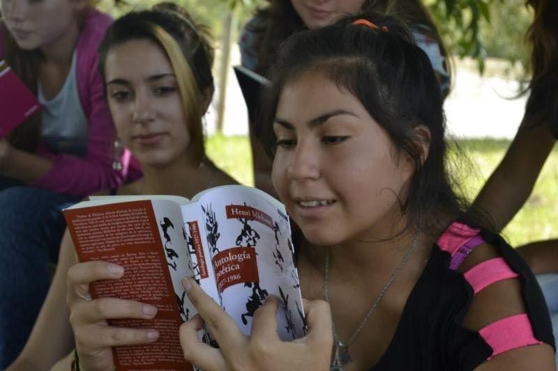 La iniciativa pretende devolverle a la poesía un lugar protagónico entre los estudiantes.