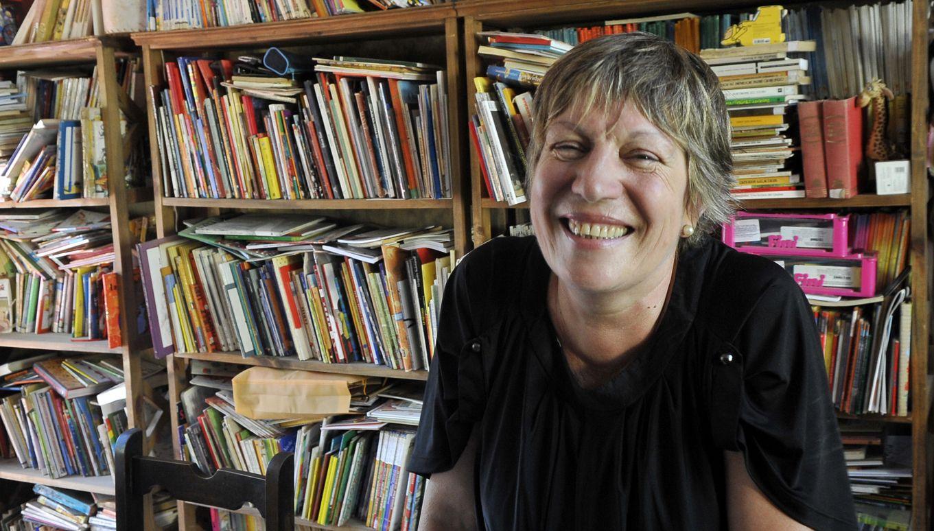 La escritora María Teresa Andruetto invita a mirar la literatura más allá de los emergentes más conocidos y reconocer así los espacios literarios que generan