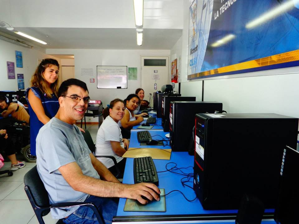 Un programa de Cilsa ofrece formación gratuita para iniciarse en un trabajo.