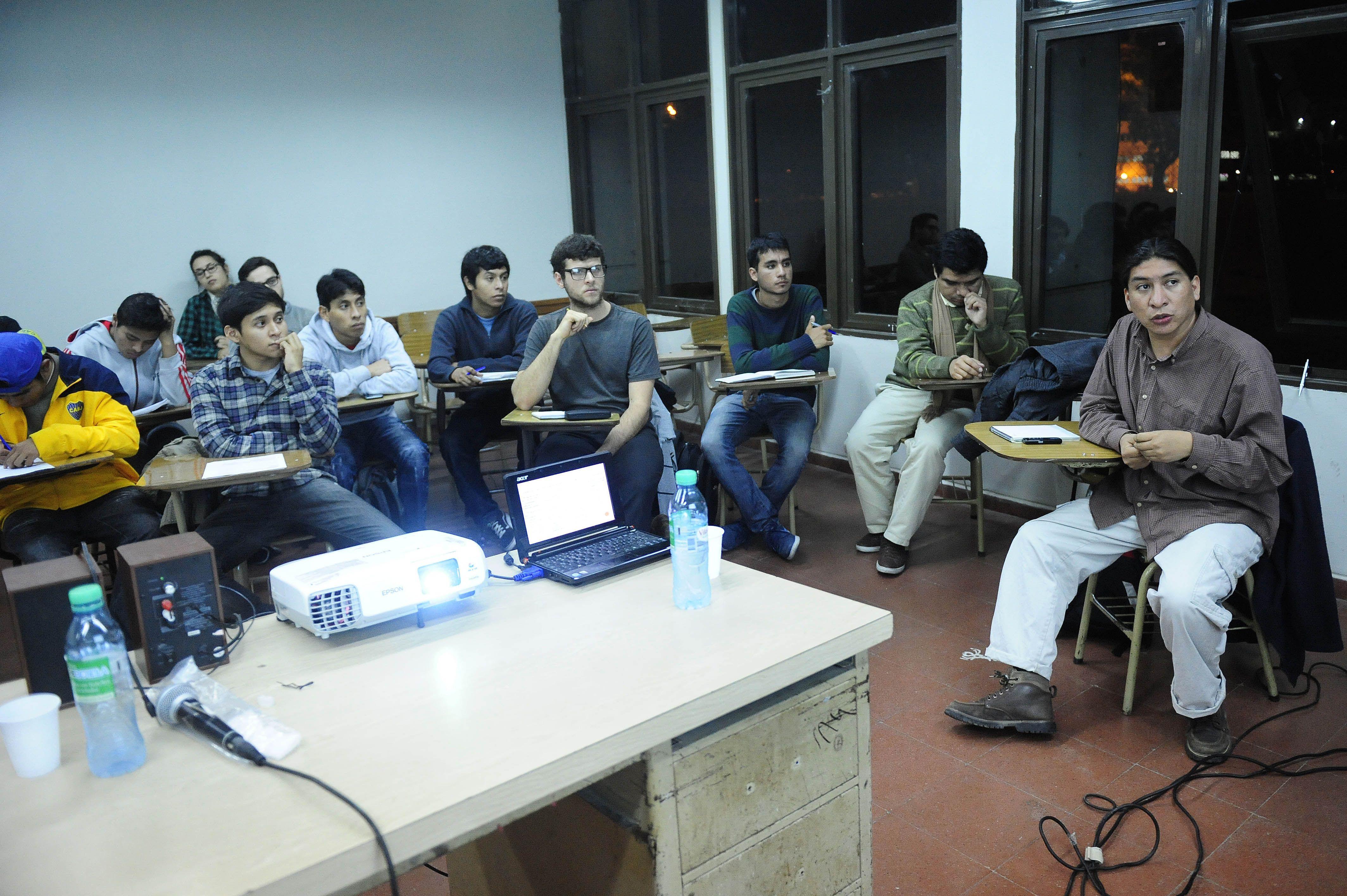 Sergio Hernández Loeza. Charla con alumnos y profesores del Programa Intercultural de Ciencias Políticas.
