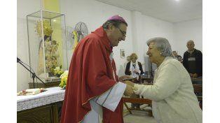 Eduardo Martín pasa cuatro días en cada parroquia para estar con la gente.