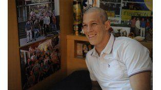 Lisandro tiene 25 años y juega al rugby en Jockey Club desde los 4 años y estudia en la Facultad de Medicina de la UNR.
