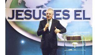 El pastor evangelista José María Silvestri dice que se puede superar la adicción al trabajo