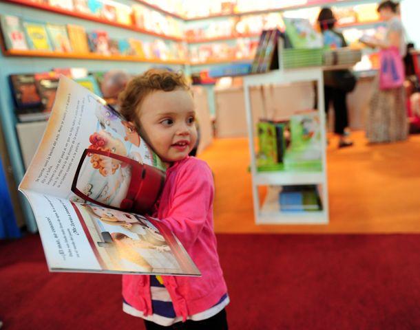 Coinciden en que la intención de la literatura es entretener y que los chicos puedan refugiarse en la imaginación.