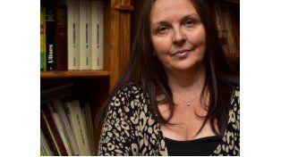 La escritora Beatriz Actis propone jugar y aprender con la ficción.